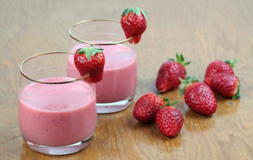 How To Make A Strawberry Milkshake Without Ice Cream